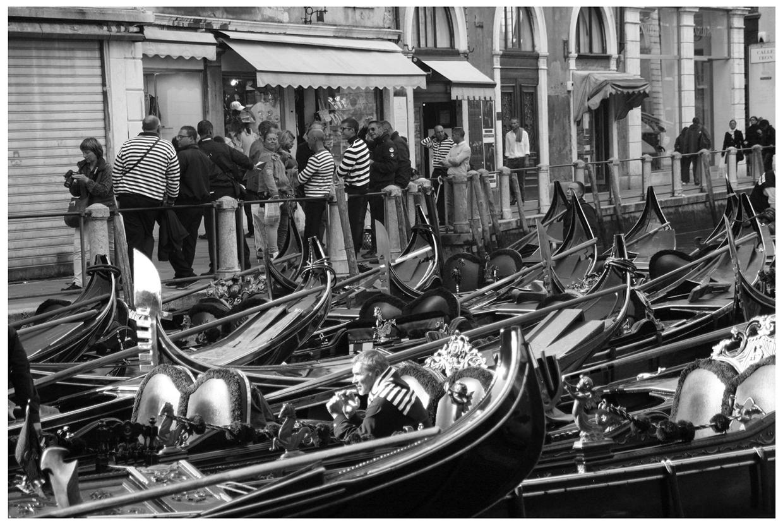 G O N D O L A Venice - italy