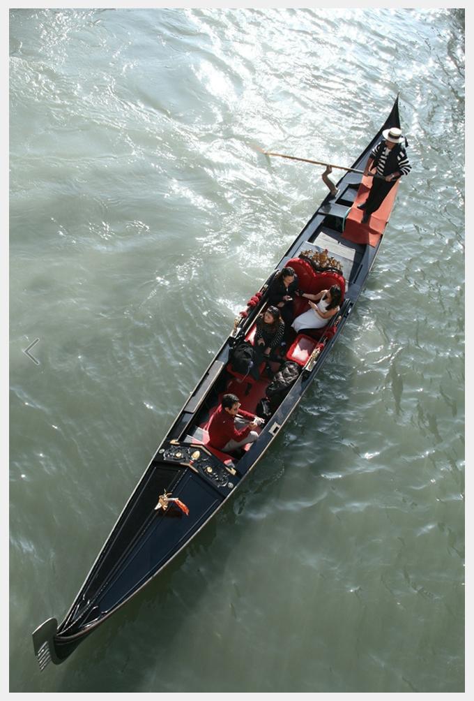 GONDOLA Gondola 2  Venice